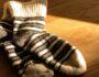 Как связать носки двумя спицами