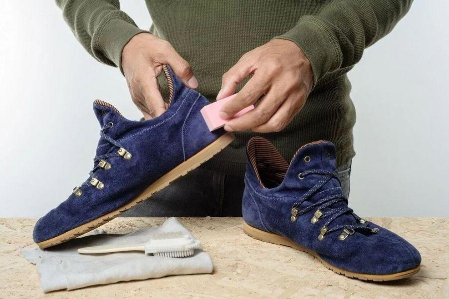 Как покрасить замшевую обувь