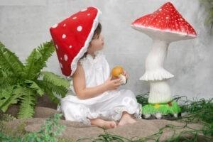 Как сделать шапку мухомора своими руками