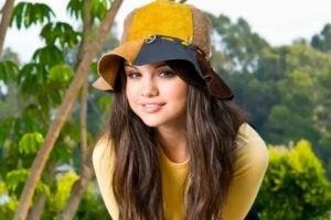 Как почистить шапку из замши
