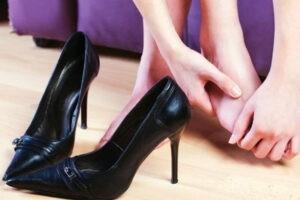 Как можно расносить тесную обувь