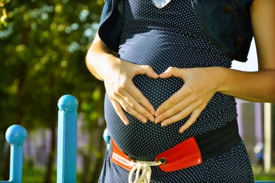 Как выбрать одежду для беременных женщин